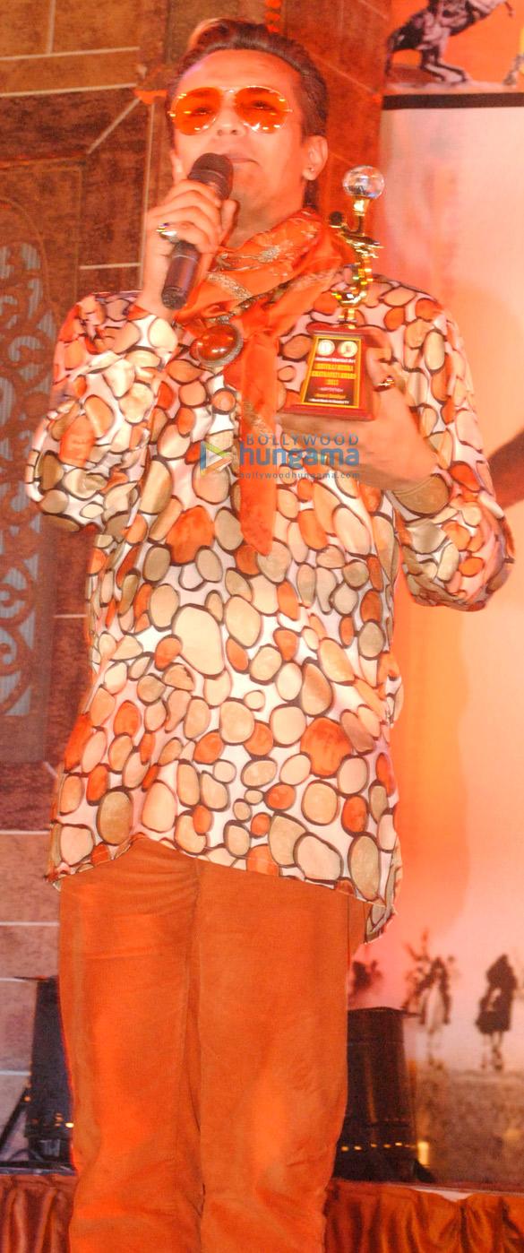 Celebs grace 2nd Chatrapati Shivaji Rajmudra Awards