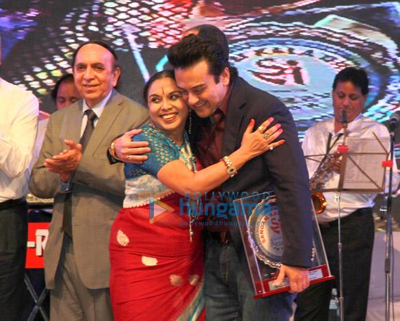 Usha Uthup, Adnan Sami, Penaz Masani & others honoured with Sangam Awards