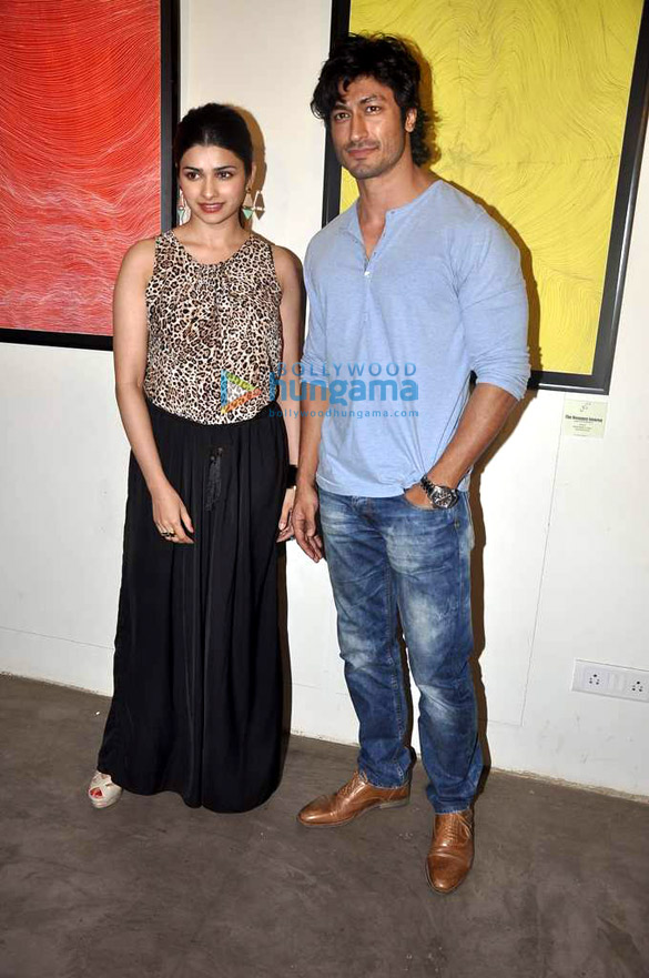 Prachi & Vidyut attend Gaurav Bose's art exhibition