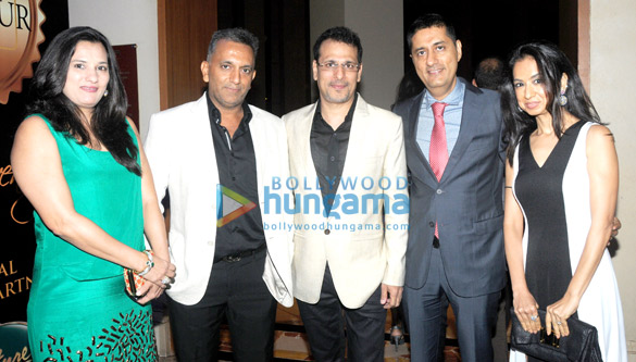 Celebs grace jewelry exhibition 'Glamour 2014'