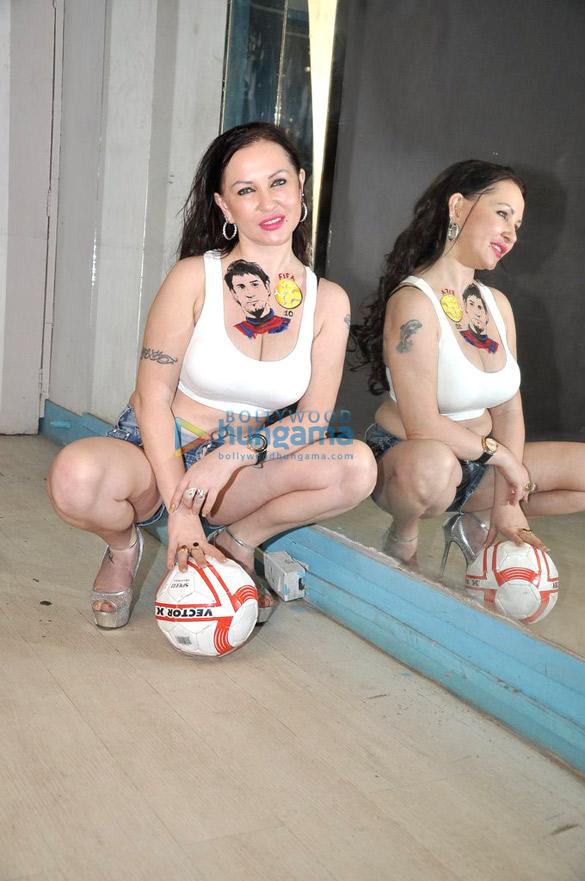 Natalia Kozhenova gets Messi's tattoo close to her heart