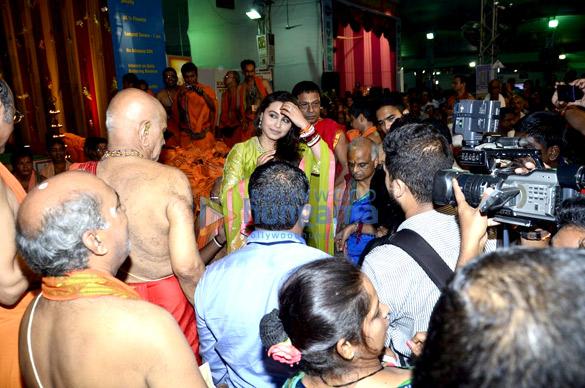 Rani Mukerji at Chinchpokli Ganpati mandal
