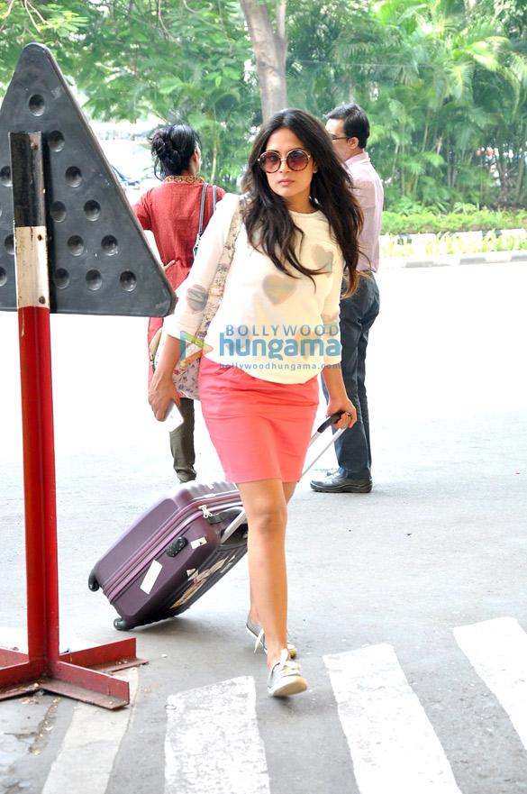 Richa Chadda & Nikhil Dwivedi snapped en-route to Ahmedabad
