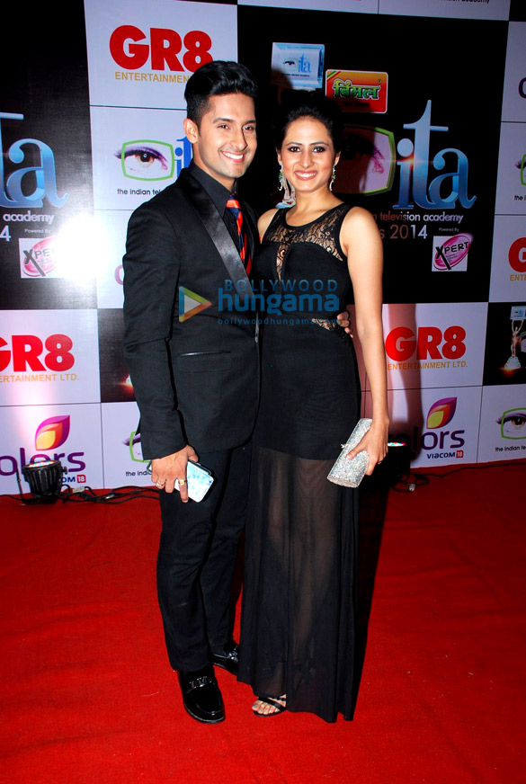 Celebs grace the red carpet of ITA Awards 2014