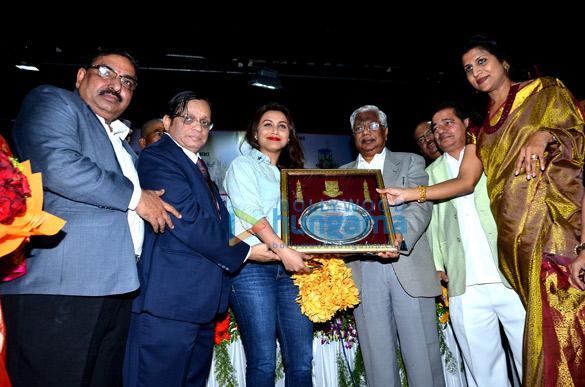 Mumbai University & Pillai Group of Institutions felicitate Rani Mukerji