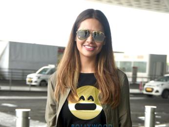 Esha Gupta goes to Bangkok to shoot for 'Commando 2'