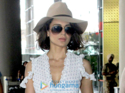 Kangna Ranaut & Manyata Dutt snapped at the airport