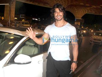 Vidyut Jamwal leaves for the shoot of 'Commando 2' in Bangkok