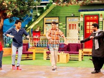 Arshad Warsi & Kapil Sharma have a laugh riot on the sets of 'The Kapil Sharma Show'