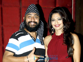Deepshikha hosts a surprise party for sister Aartii Naagpal