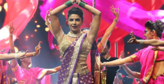 Priyanka Chopra SUPER SEXY Performance At 'IIFA 2016'