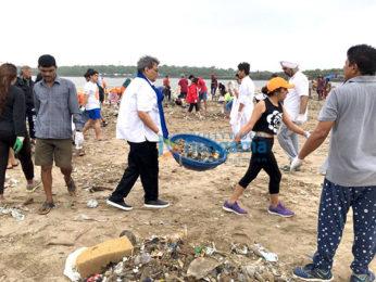 Subhash Ghai cleans Mumbai's Versova Beach