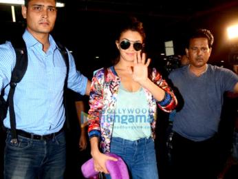 Varun Dhawan & Jacqueline Fernandez return after promoting 'Dishoom' in Jaipur