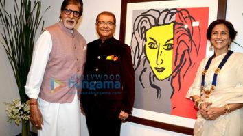 Amitabh Bachchan & Jaya Bachchan grace Dilip De's art exhibition