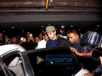 Hrithik Roshan & Pooja Hegde return from Delhi promotions of 'Mohenjo Daro'