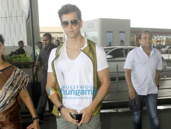 Hrithik Roshan & Alia Bhatt snapped at the airport