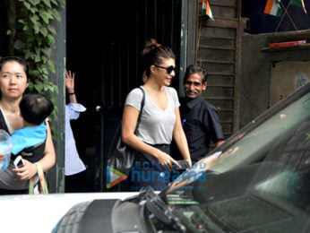 Jacqueline Fernandez snapped post lunch at a Bandra cafe