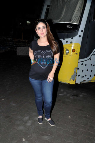 Kareena Kapoor Khan snapped at Mehboob Studio post an ad shoot
