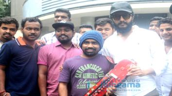 Riteish Deshmukh visits a screening to interact with a 'Banjo' artist at Chitra theatre, Mumbai
