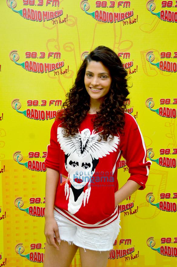 Starcast of 'Mirzya' at 98.3 Radio Mirchi studio