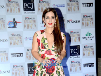 Aishwarya Rai Bachchan recieves 'Outlook Business Outstanding Woman Award'
