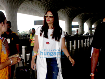 Aishwarya Rai Bachchan snapped enroute to Delhi at Mumbai airport