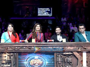 Ajay Devgn promote 'Shivaay' on Super Dancer