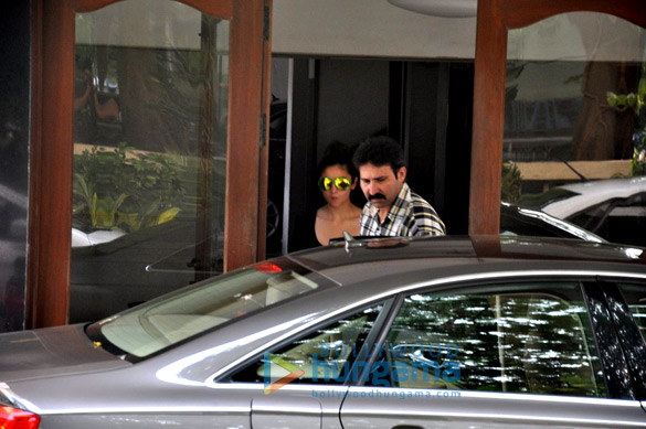 Alia Bhatt snapped post her visit at Sidharth Malhotra's home in Bandra
