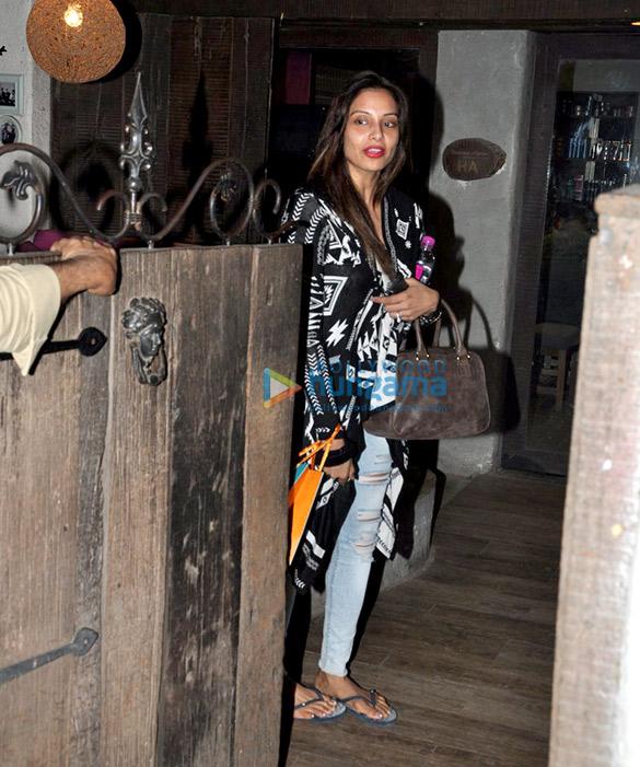 Bipasha Basu snapped at Hakim's Aalim salon