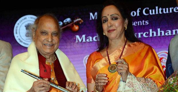 Hema Malini And Udit Narayan At 'Yaad-e-Bismillah' Centenary Concert