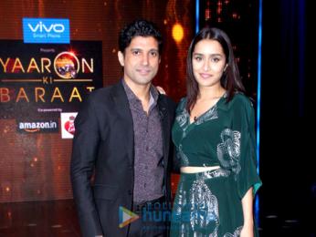 Farhan Akhtar & Shraddha Kapoor on the sets of 'Yaaron Ki Baraat'