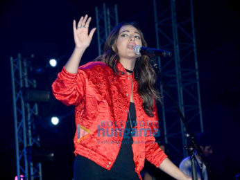 Sonakshi Sinha sings at the Bollywood Music Project concert