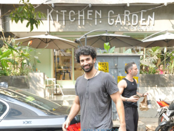 Aditya Roy Kapur snapped post lunch with friend at Suzette Kitchen