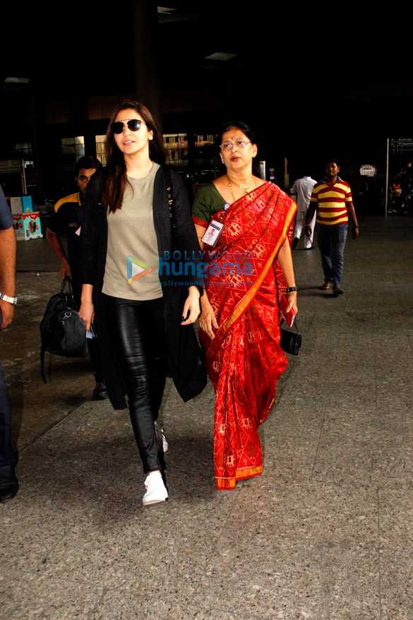 Anushka Sharma, Alia Bhatt and others snapped at airport