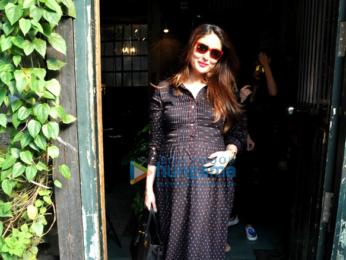 Kareena Kapoor Khan, Karisma Kapoor & Amrita Arora snapped post lunch at Pali Village Cafe