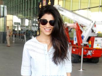 Saif Ali Khan & Shriya Saran snapped at the international airport