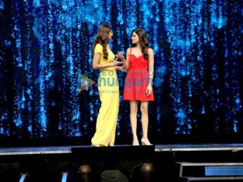 Shilpa Shetty & Shamita Shetty on the sets of Super Dancer