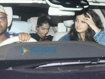 Deepika Padukone & Anushka Sharma grace the screening of 'Befikre' hosted by Ranveer Singh