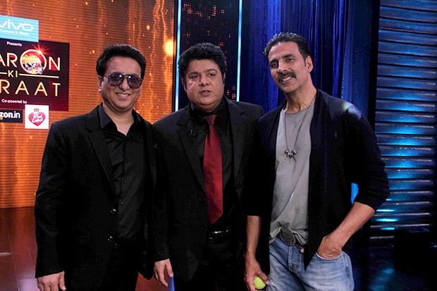 OMG! After Shah Rukh Khan, Akshay Kumar does pole dance on Yaaron Ki Baraat