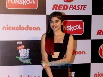 Shah Rukh Khan, Deepika Padukone, Varun Dhawan & Alia Bhatt grace the Nickelodeon Kids' Choice Awards 2016