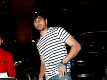 Sidharth Malhotra departs to shoot Reload in Bangkok