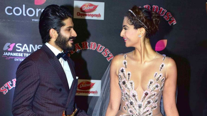 Sonam Kapoor-Hardhvardhan Kapoor's SUPER CUTE Bonding At Stardust Awards 2016 vide