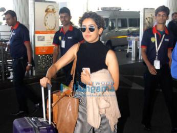 Vidyut Jammwal, Esha Gupta, Sanya Malhotra & Fatima Sana Shaikh snapped at the airport