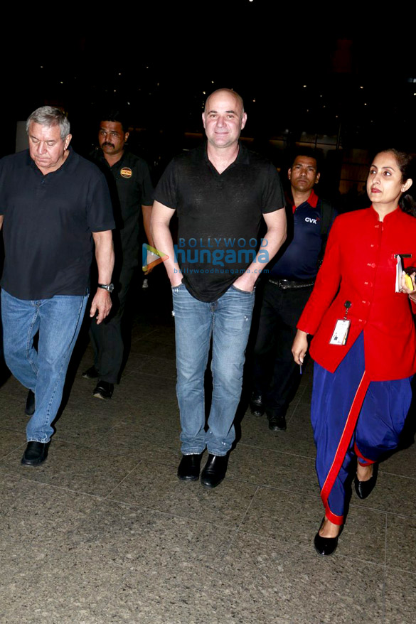 Andre Agassi, Jacqueline Fernandez, Sunny Leone and others snapped at the airport