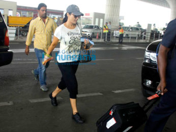 Preity Zinta, Karisma Kapoor, Sophie Choudry snapped at the airport
