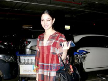 Riya Sen & Tamannaah Bhatia snapped at the airport