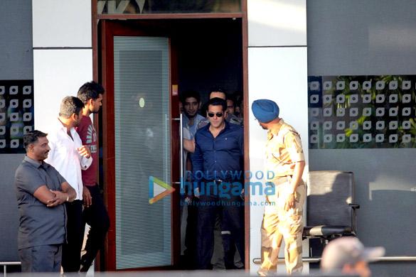 Salman Khan arrives back from Jodhpur