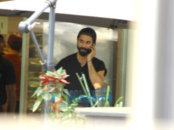 Shahid Kapoor snapped at The Kitchen Garden in Bandra
