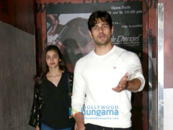 Sidharth Malhotra & Alia Bhatt snapped post a screening of 'Dangal'