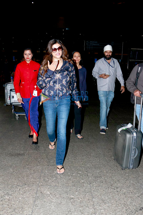 Sushmita Sen and others snapped at the airport